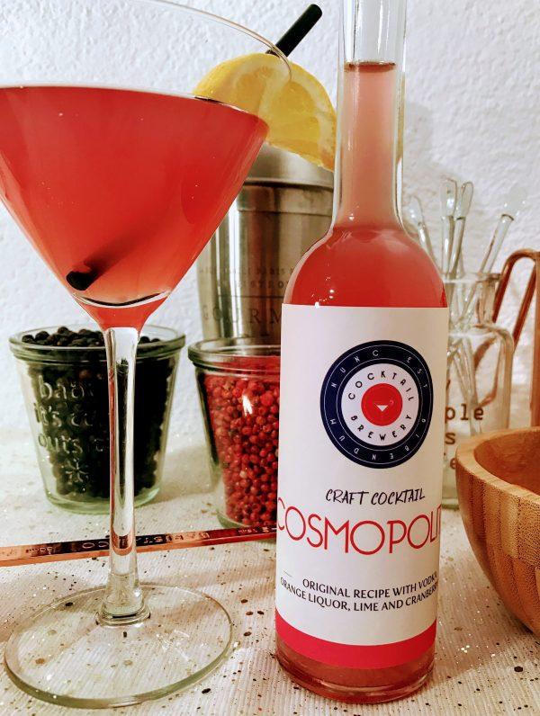 Cosmopolitan cocktail in fles